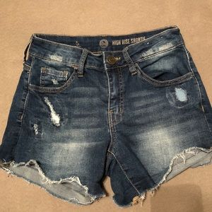 DENIM HIGH RISE SHORTIE